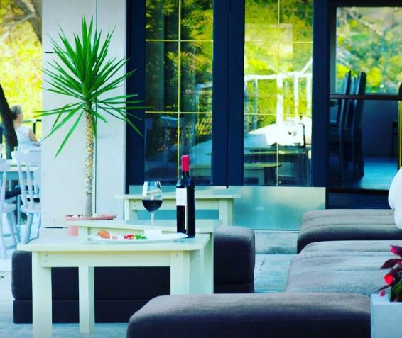 Restaurant Park Petrovac, Suumartin Bay, Brac island 8
