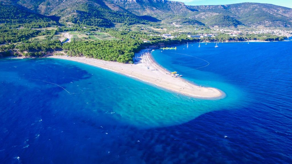 Zlatni-Rat-Beach,-Bol,-Brac-Island-(12)