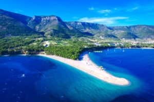 Probably Croatia S Most Famous Beach Zlatni Rat Or Golden Horn If Translated This Beautiful Shape Shifting Is Wonderful To Look At From Any Angle