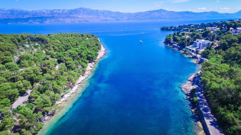 Splitska-Beach,-Brac-Island-(4)
