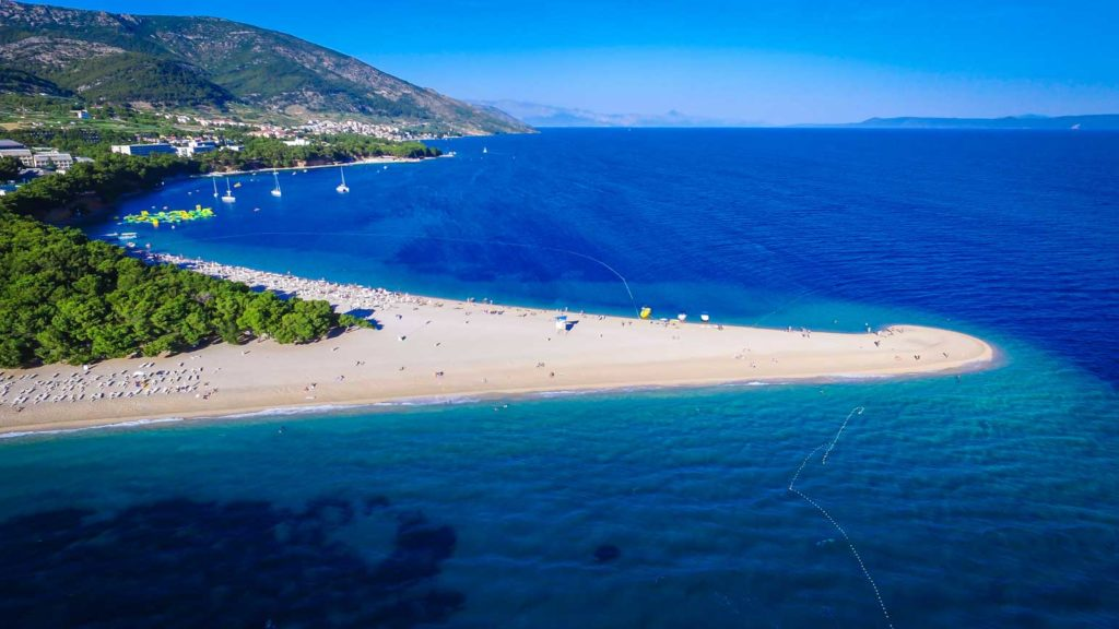 Zlatni-Rat-Beach,-Bol,-Brac-Island-(9)