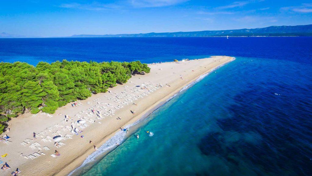 Zlatni-Rat-Beach,-Bol,-Brac-Island-(7)