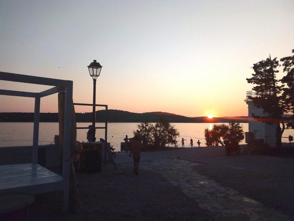 Olife-Beach-Club,-Milna-Bay-Brac-Island-(1)