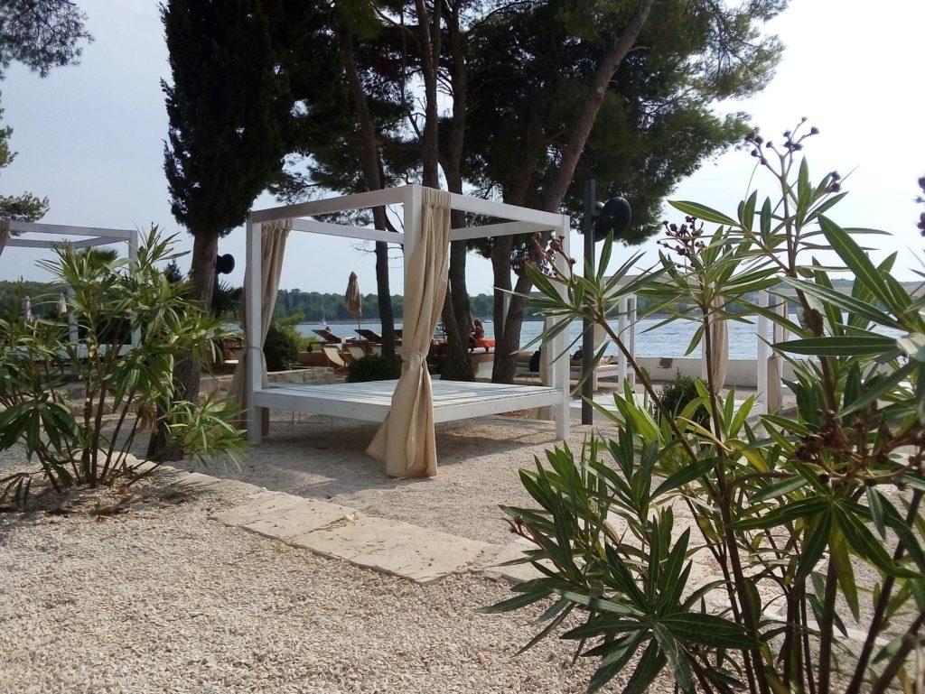 Olife-Beach-Club,-Milna-Bay-Brac-Island-(12)
