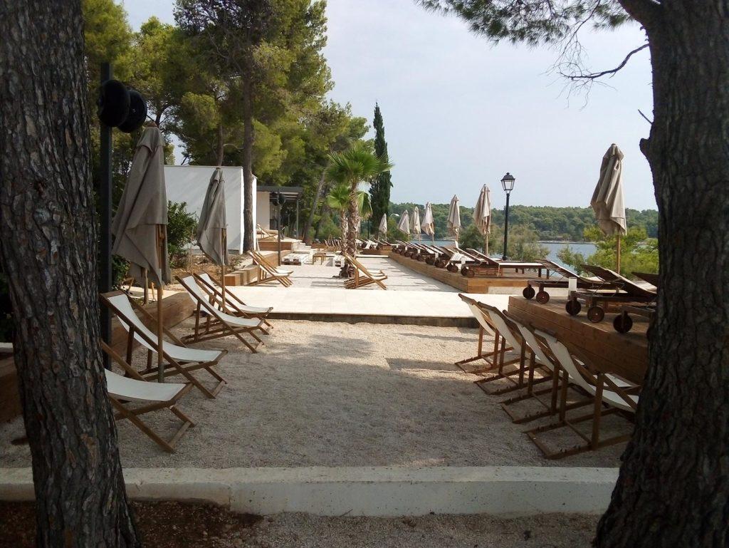 Olife-Beach-Club,-Milna-Bay-Brac-Island-(13)
