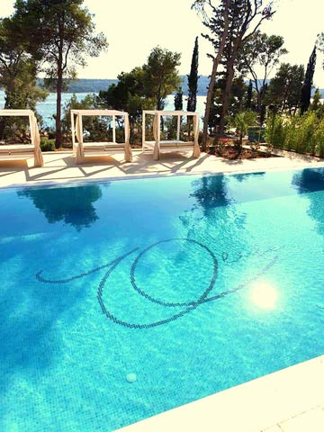 Olife-Beach-Club,-Milna-Bay-Brac-Island-(9)