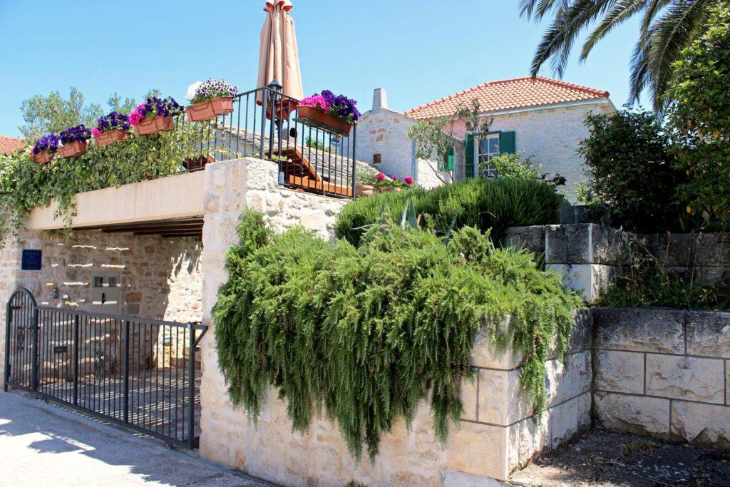 Villa-Bakala,-Mirca-Bay,-Brac-Island-(1)
