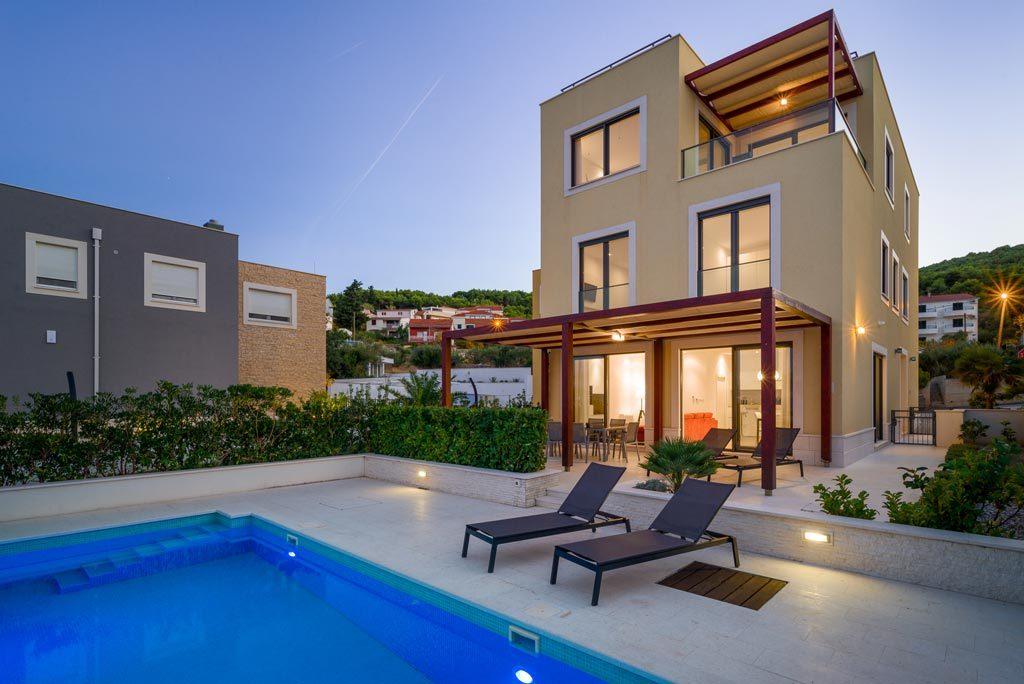 Villa-Cinquento,-Slatine-Bay,-Split-Riviera-3-(9)