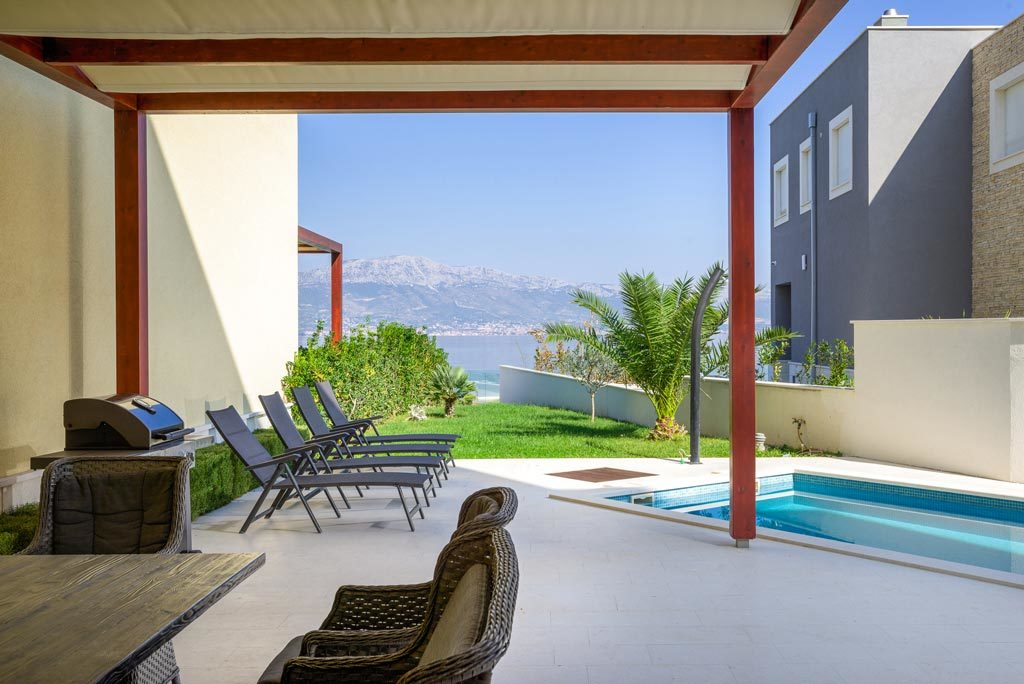 Villa-Cinquento,-Slatine-Bay,-Split-Riviera-4-(12)