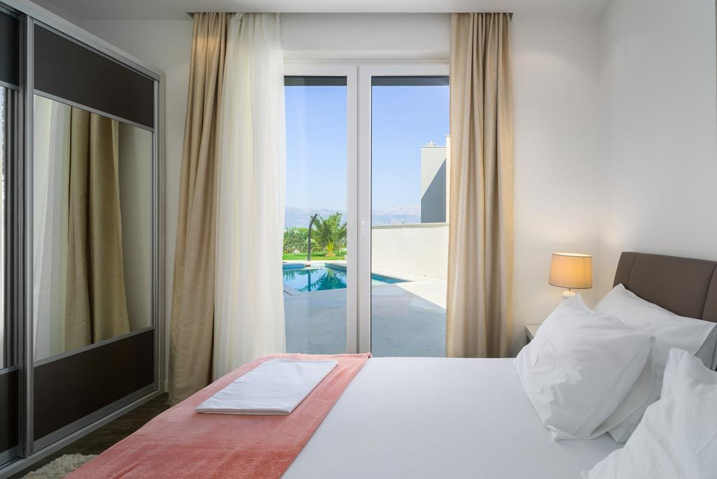 Villa-Cinquento,-Slatine-Bay,-Split-Riviera-4-(16)