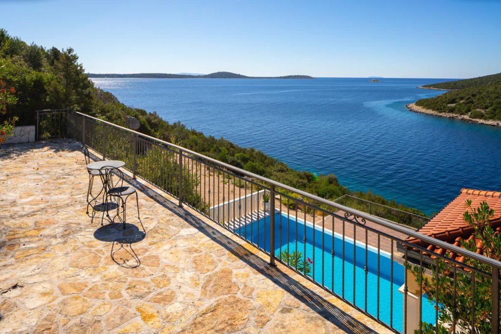Villa-Sunshine,-Vinisce-Bay,-Split-Riviera-(2)