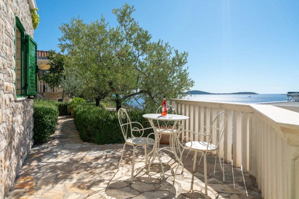 Villa-Sunshine,-Vinisce-Bay,-Split-Riviera-(21)