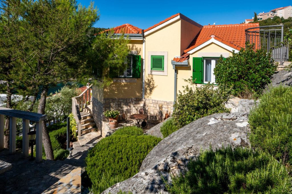 Villa-Sunshine,-Vinisce-Bay,-Split-Riviera-(34)