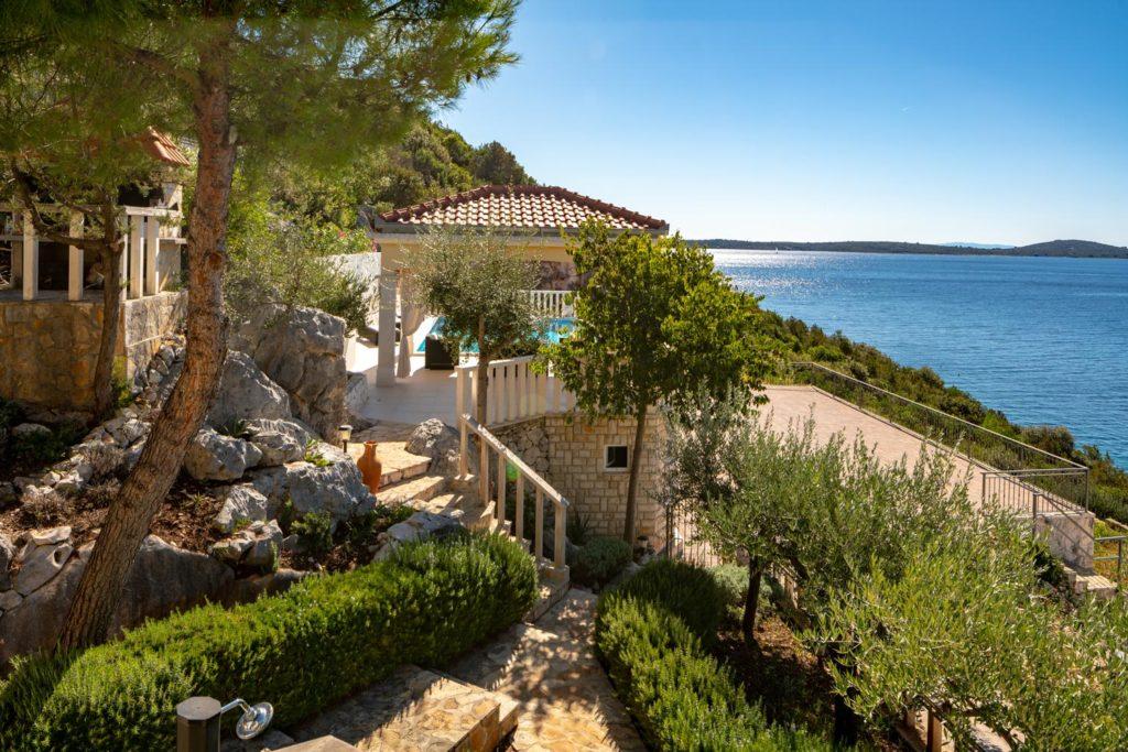 Villa-Sunshine,-Vinisce-Bay,-Split-Riviera-(4)