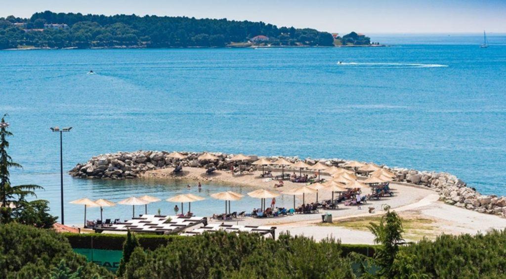 Novigrad Istria -Beach-Novigrad-Aminess-2 ColoursofIstria.com