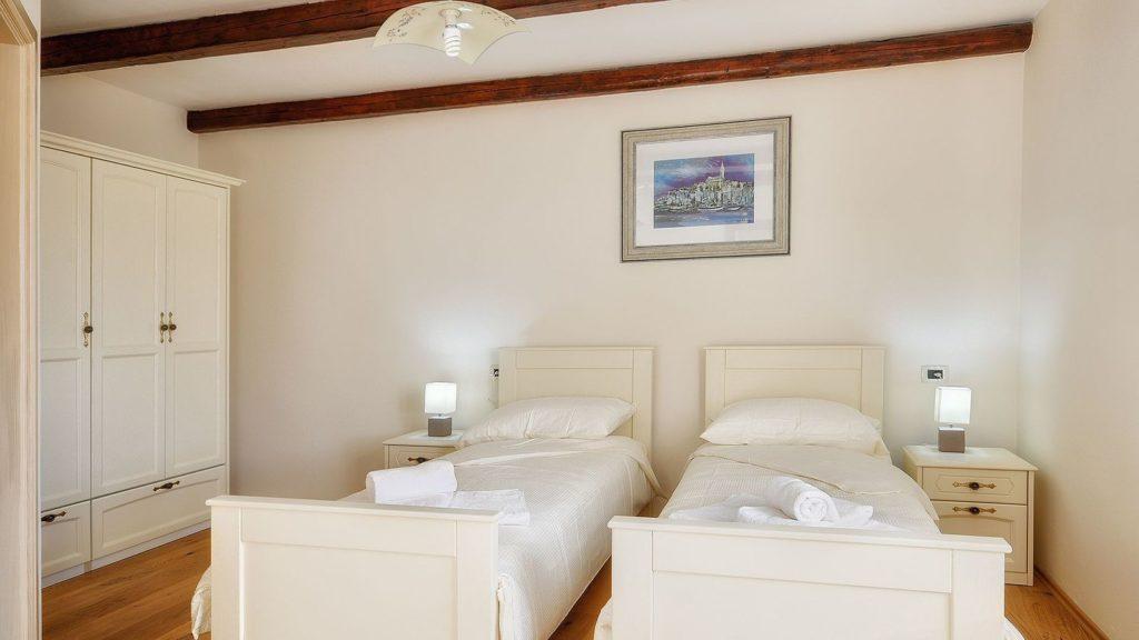 Villa Casamont, Near Bale Istria (24)