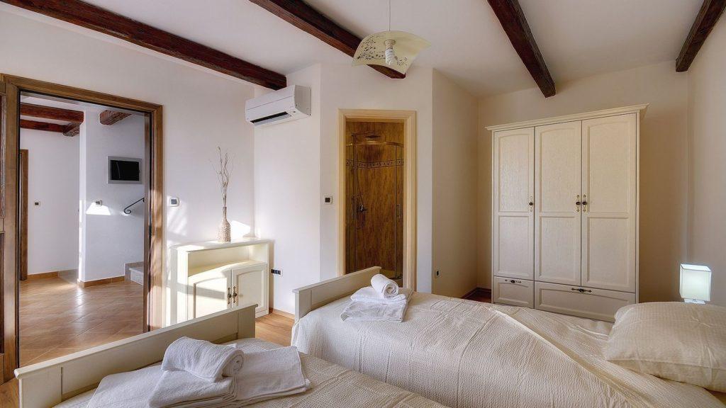 Villa Casamont, Near Bale Istria (25)