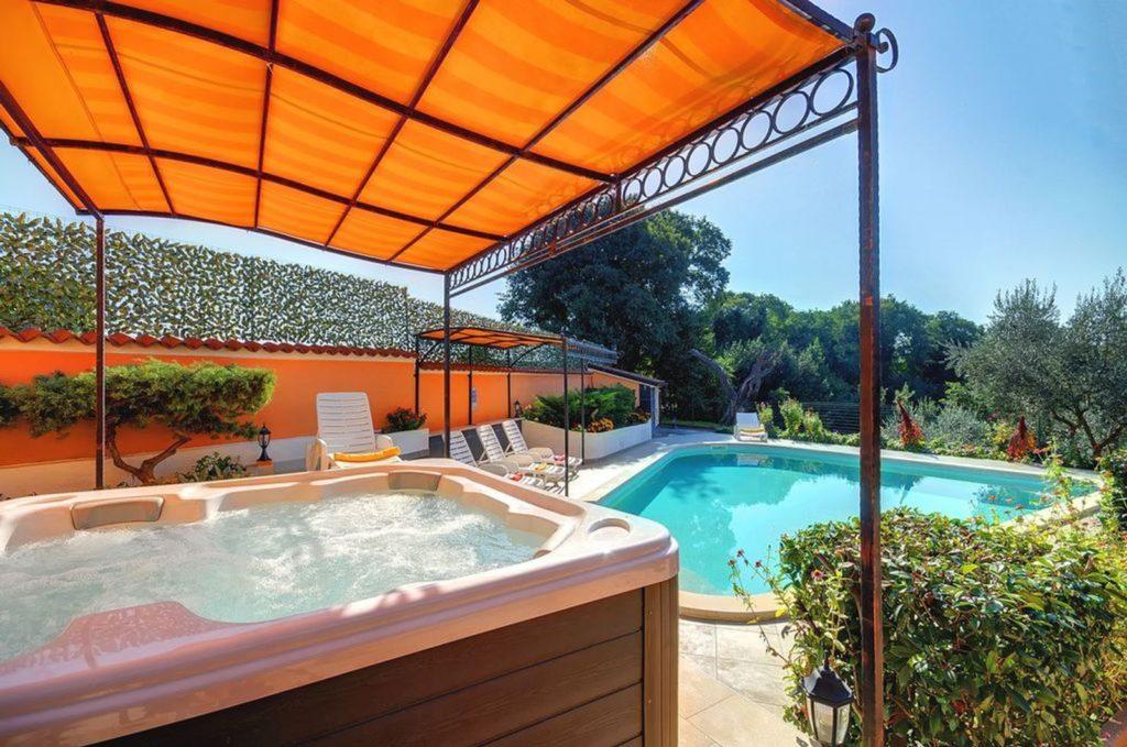 Villa Nicholina , Near Pula, Istria (4)