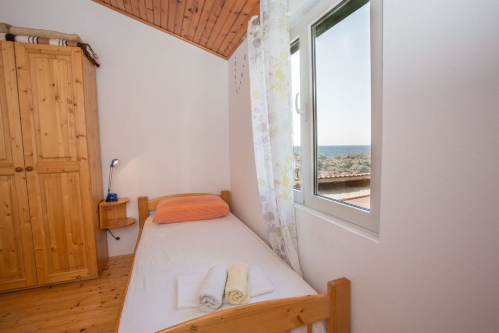 Apartment Azure, Zarace Bay, Hvar Island (22)