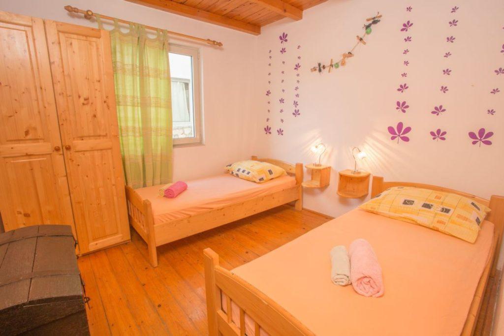 Apartment Milla, Zarace Bay, Hvar Island (2)