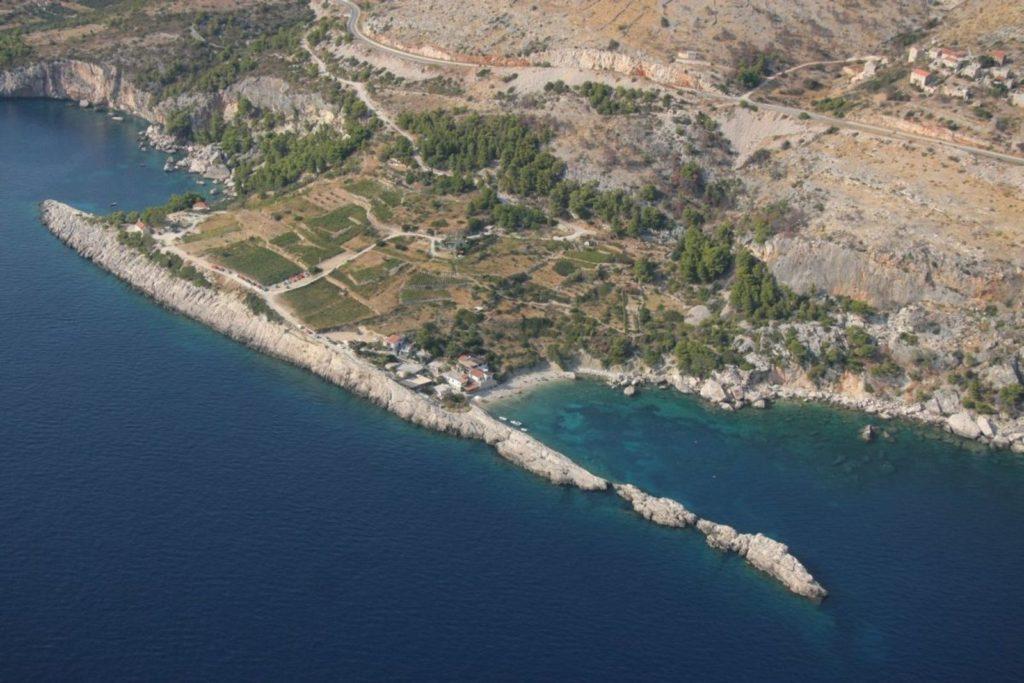 VELO ZARACE BAY HVAR ISLAND (3)