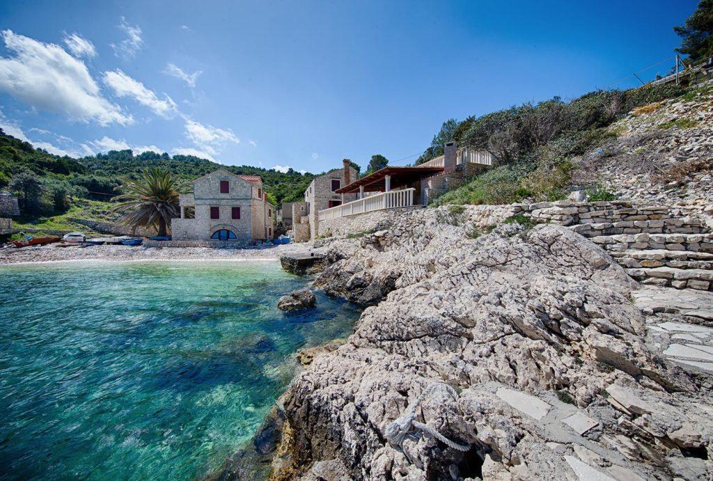 Villa-Silente,-Tiha-Bay,-Vis-Island-(10)