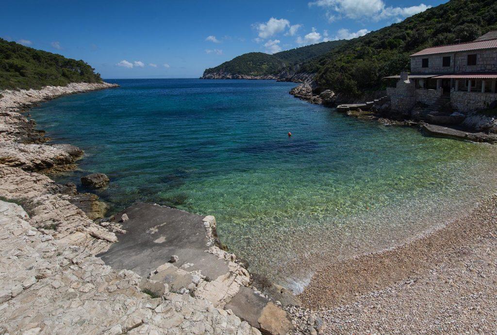 Villa-Silente,-Tiha-Bay,-Vis-Island-(18)