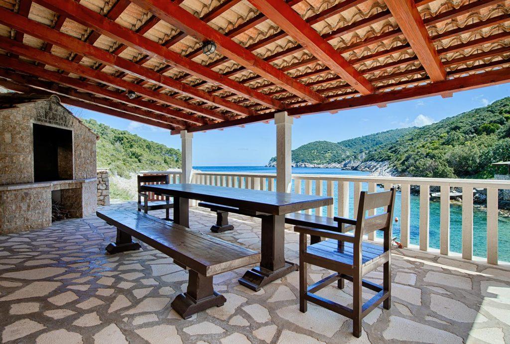 Villa-Silente,-Tiha-Bay,-Vis-Island-(7)