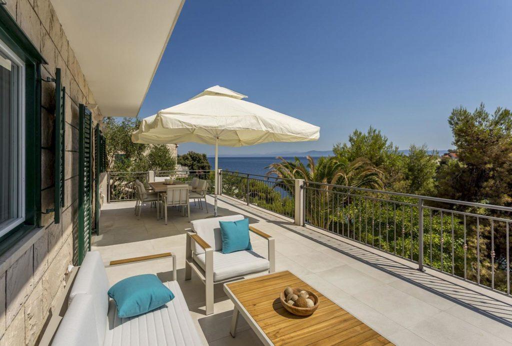 Villa-Mirela,-Sumartin-Bay,-Brac-Island-(5)